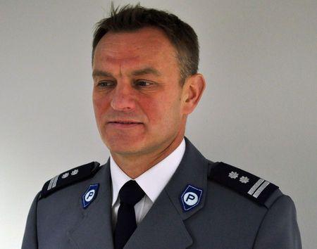 Tadeusz Stuchlik Absolwent AWF w Warszawie w Policji od 1994 roku w 1996 roku ukończył Wyższą Szkołę Policji w Szczytnie - 35-261809_g